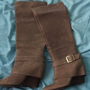Wedge boots these fit like a 7  7.5 tight on calf